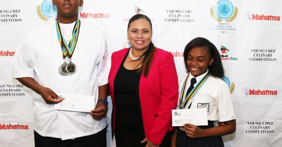Eleuthera National Young Chef Culinary Winners accepts awards from Keyshan Bastian, Assistant Director of Education.