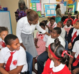 Mrs._Minnis_At_Emma_Cooper_School_4
