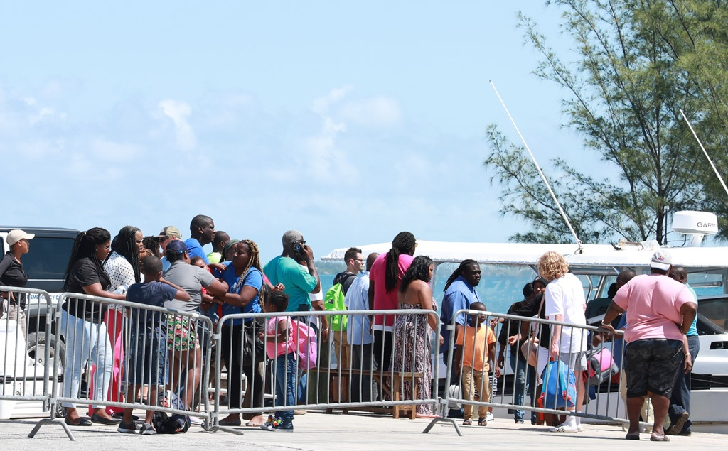 Hurricane-victims-out-of-Abaco-arriving-in-Eleuthera-via-boat-WEB