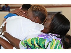 Emotional hugs for family and graduate 490A7643