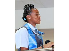 Recipient of the Coaches Award, Prefect, Wendeisha Symonette giving the Vote of Thanks - 490A7649
